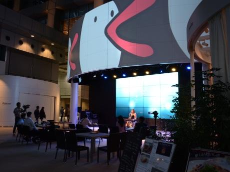 「関西テレビアトリウム」でのライブイベント