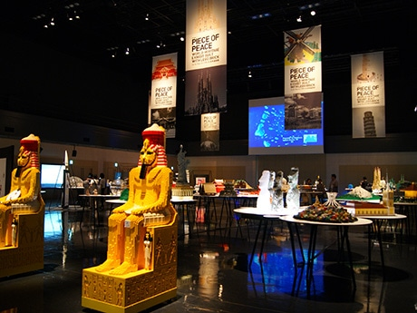 約45万ピースのレゴブロックを使った世界27カ国の世界遺産40作品を展示