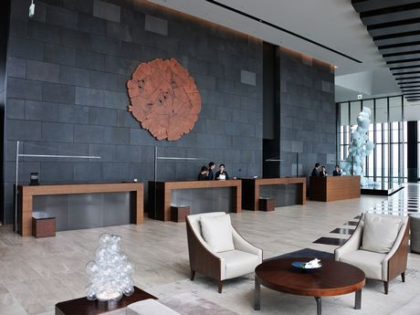 40階のフロントロビー