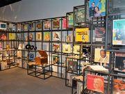 梅田で「世界を変えたレコード展」 音楽で振り返る「20世紀」