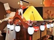 大阪新阪急ホテルで秋ビュッフェ 巨大モンブランが山車で登場