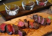 北新地に熟成肉&ワイン主力の飲食店 北海道産短角牛を半頭で40日間熟成