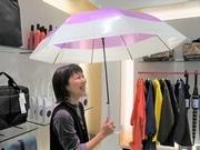 梅田にアーバンリサーチの雨具専門店「アメメ」 「超雨女」バイヤーが担当