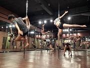 梅田に日本最大規模のポールダンス スタジオ ポール17本設置