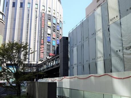 工事中の「ヨドバシ橋」Bデッキ