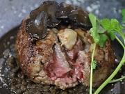 梅田に肉料理店「きゅうろく」 フォアグラ入りハンバーグ目玉に