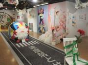 梅田ロフトで「のん」さん初個展 「女の子の凶暴さや無鉄砲さ」を表現
