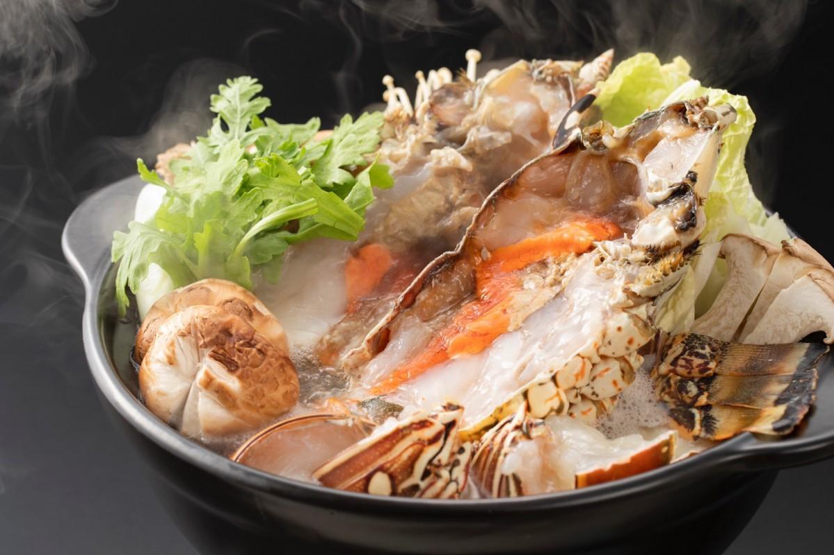 1尾1キログラム以上の伊勢海老を入れた鍋