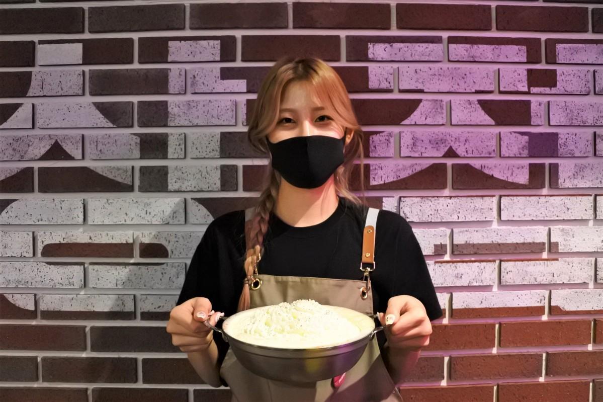 曽根崎お初天神通り商店街にオープンした韓国バル「肉ポチャ Jockey 梅田店」