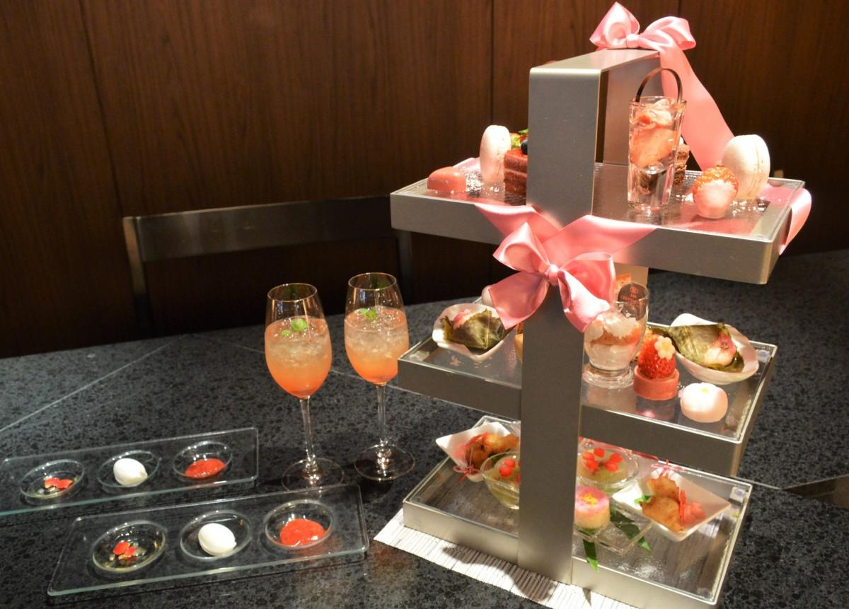 3月1日から提供が始まった「桜ピンクアフタヌーンティー」