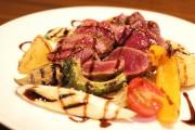 さいたまの飲食店が食育イベント シカ肉料理実食と骨格標本作り
