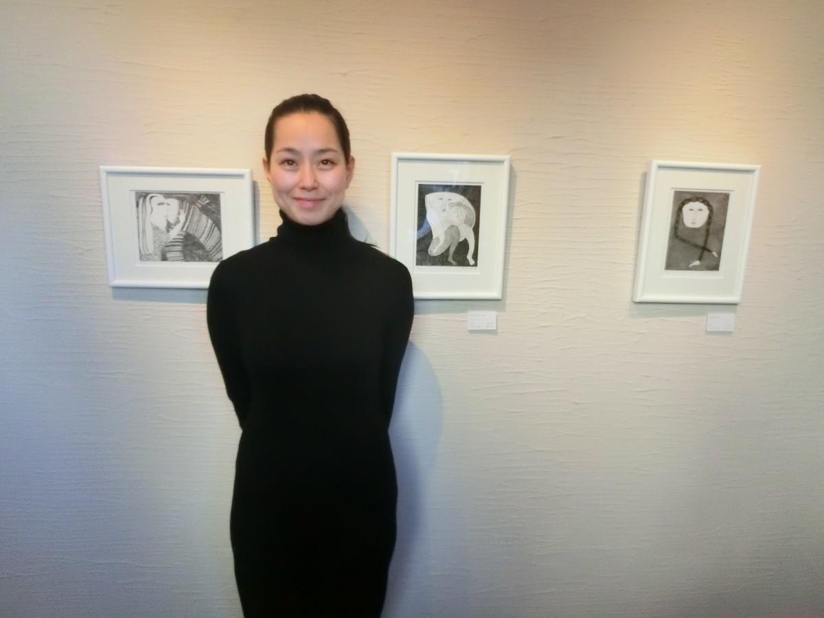 東浦和のギャラリーで銅版画展 女性作家、女性をモチーフに11点