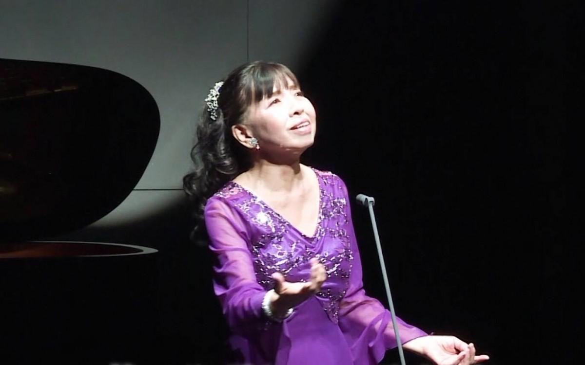 コンサートを行う神山久恵さん
