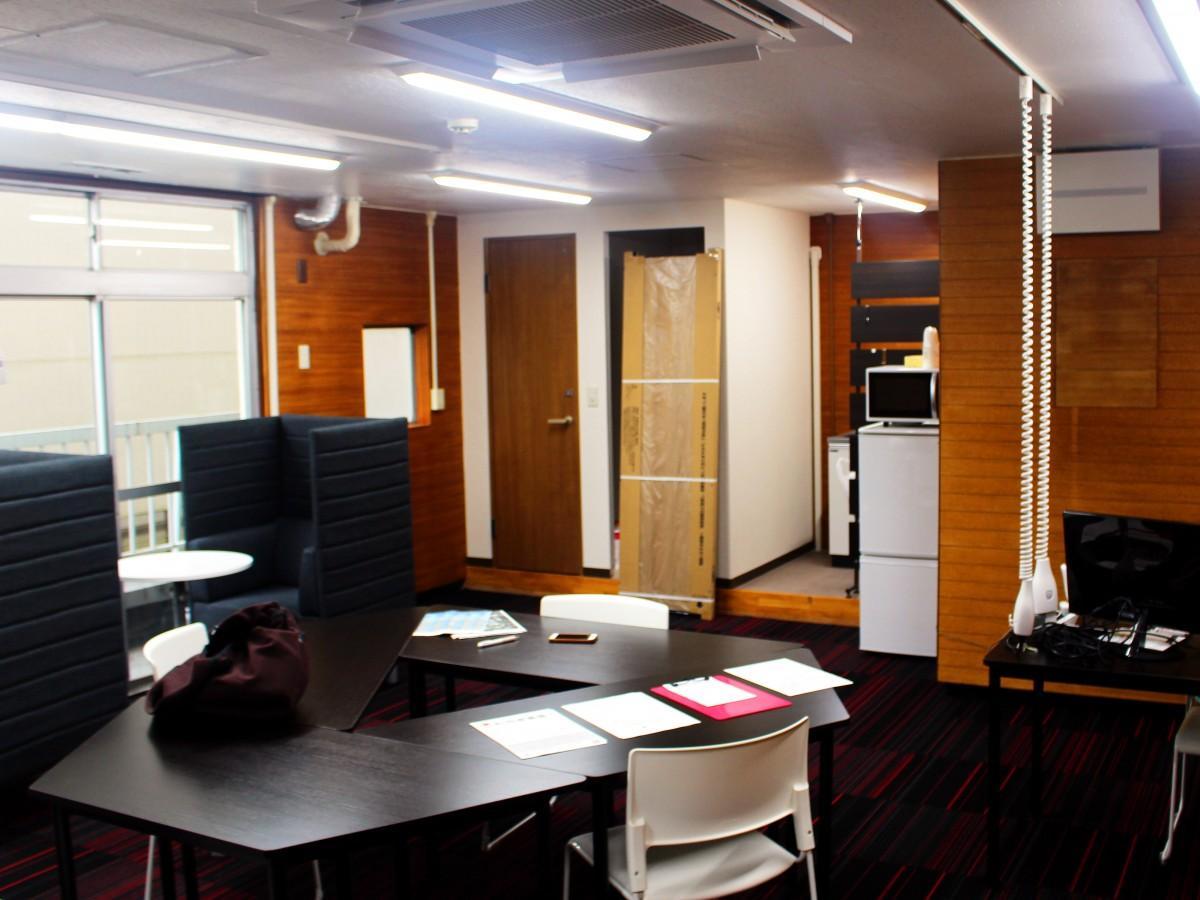 浦和にオープンしたコワーキングスペース「ウラコ」