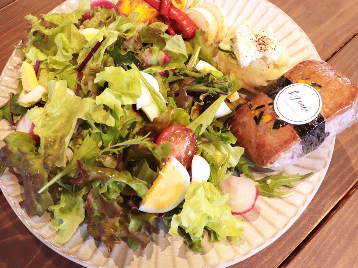 野菜とたんぱく質のバランスがいいサラダプレート