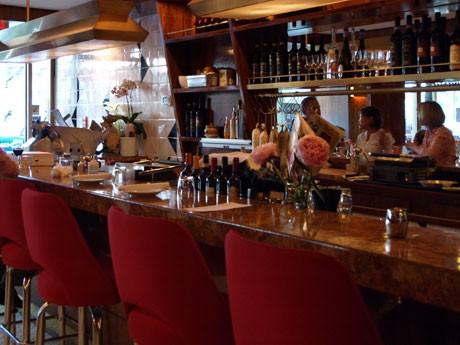 ダウンタウンにオープンしたイタリアンレストラン「Nook」。