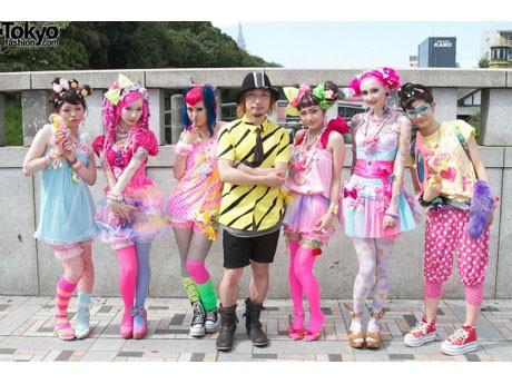 原宿ファッション「6%DOKIDOKI」がバンクーバーで初のファッションショーを開催