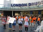 バンクーバーで街頭募金活動、再び-東北学院大生らが支援呼び掛け