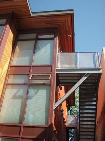 輸送コンテナ再利用住宅の外観