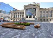 バンクーバー美術館北側広場がリニューアル 市民イベントの場として利便性向上