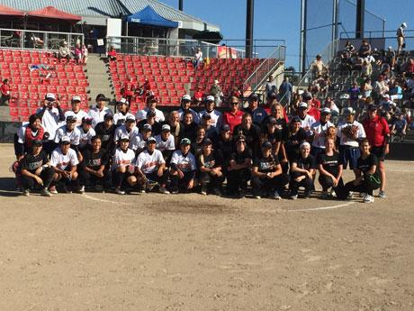 女子ソフトボール「カナダカップ」開幕 日本代表、初戦6回コールド勝ち