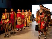 バンクーバー・ファッションウイークに日本の専門学校生 和洋ミックスで魅了