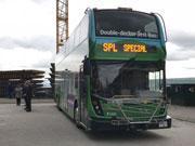 バンクーバーエリアに2階建てバス 長距離路線で試験的に導入