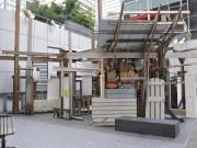 バンクーバーのダウンタウンに廃材アート出現 ゴミの再利用考えるきっかけに