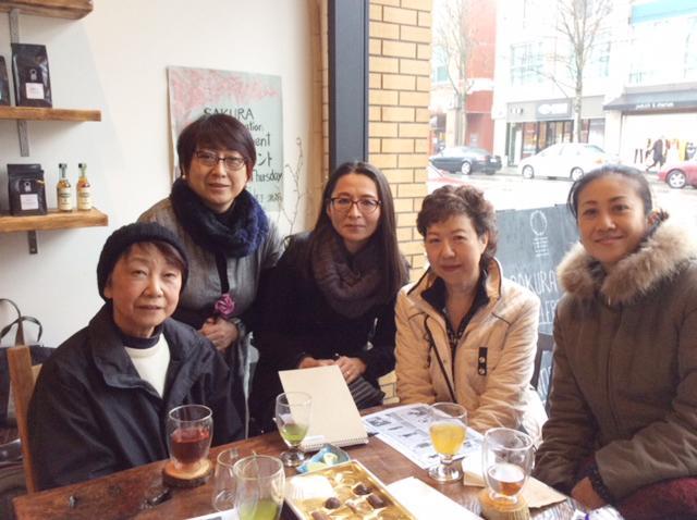 「オレンジカフェ」の会合に集まった協会メンバーと参加者