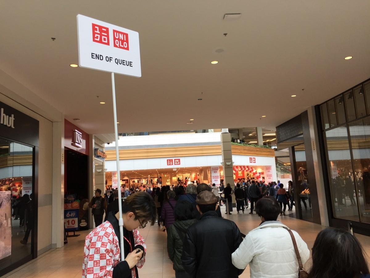 オープン前には500人以上が行列を作った