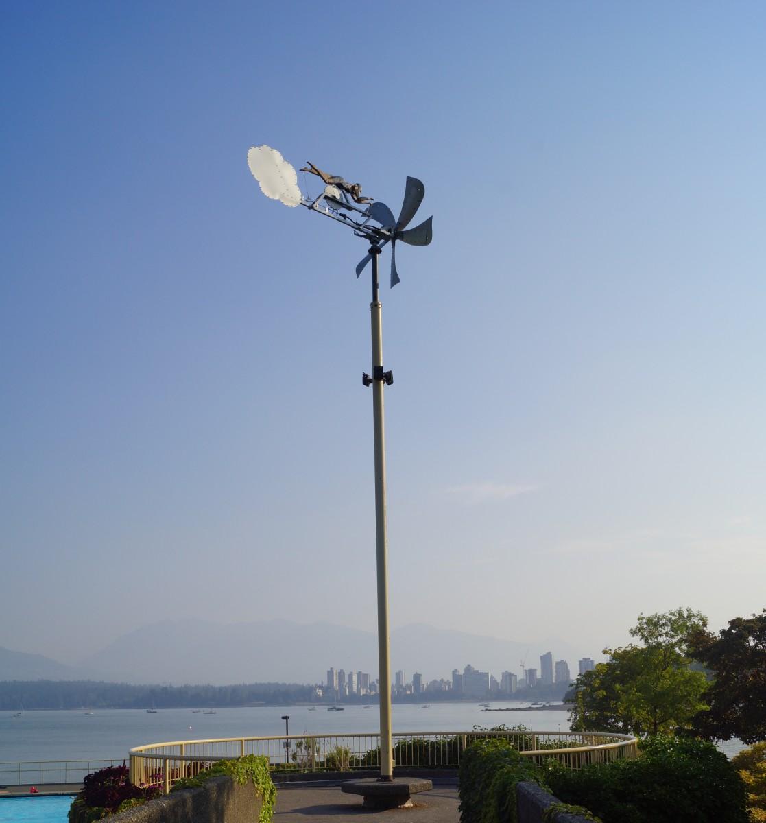 3年前の嵐で損傷して以来、再設置された「風のスイマー(Wind Swimmer)」(写真提供=Vancouver Park Board)
