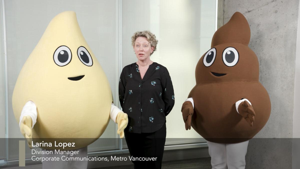 Pee(左)とPoo(右)、Metro Vancouverマネジャーのラリーナ・ロペスさん