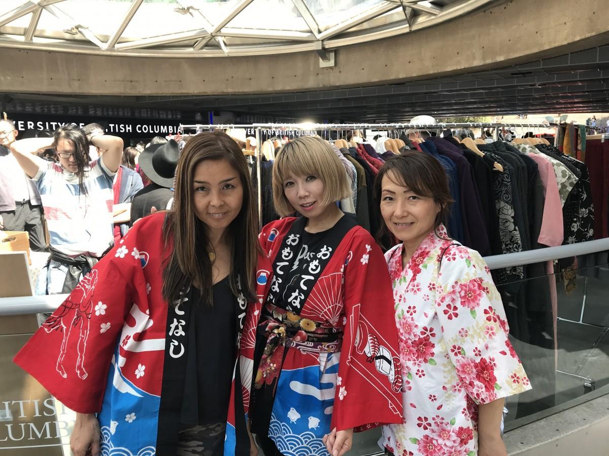 主催者の(左から)水谷麻美さん、ゆりえほよよんさん、吉田祐子さん