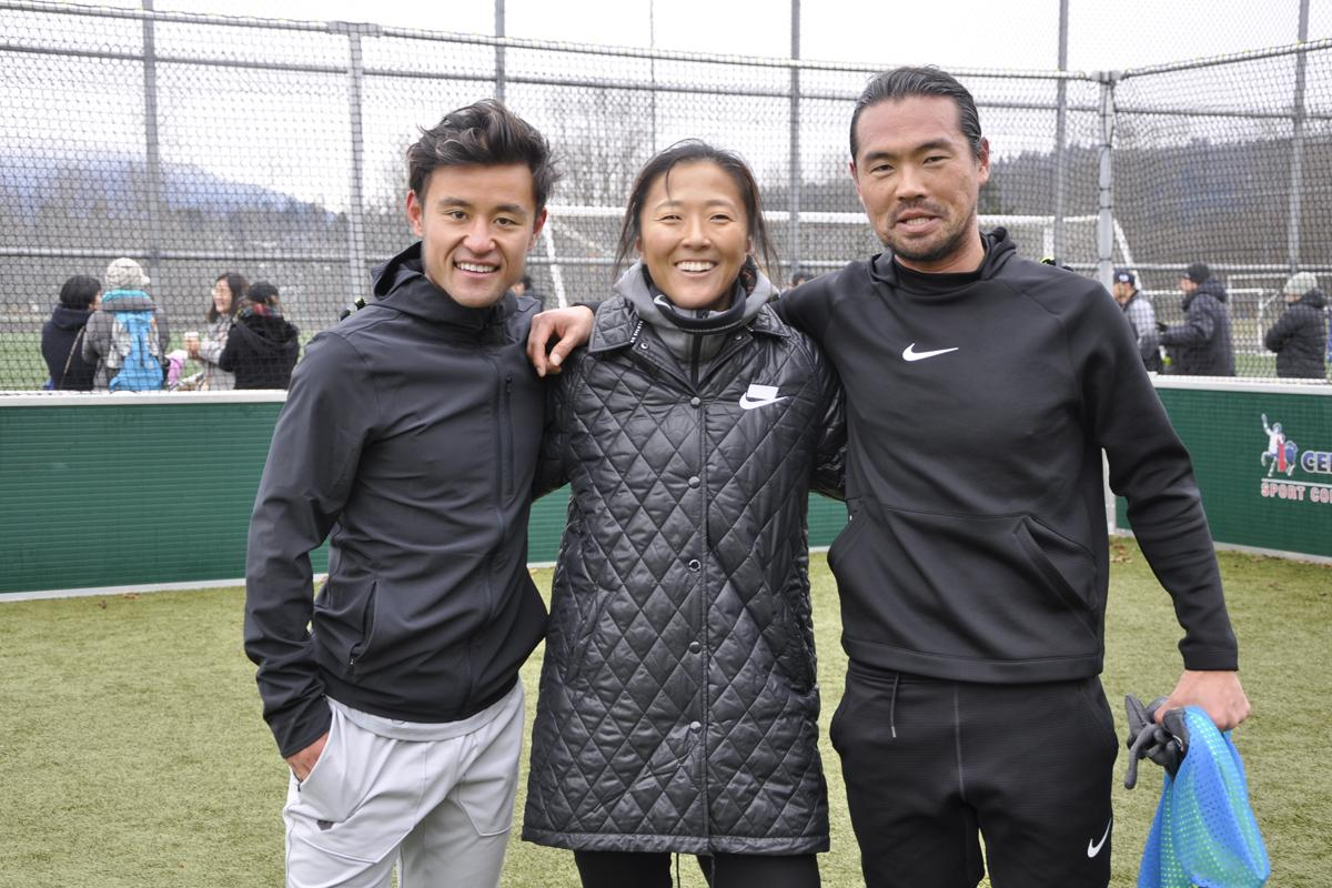 元日本代表で現在USLバーミンガム・レギオンFC所属の小林大悟選手(右)、元なでしこジャパンで現在NWSLシカゴ・レッドスターズ所属の永里優季選手(中)、MLSトロントFC所属の遠藤翼選手(左)の現役3選手