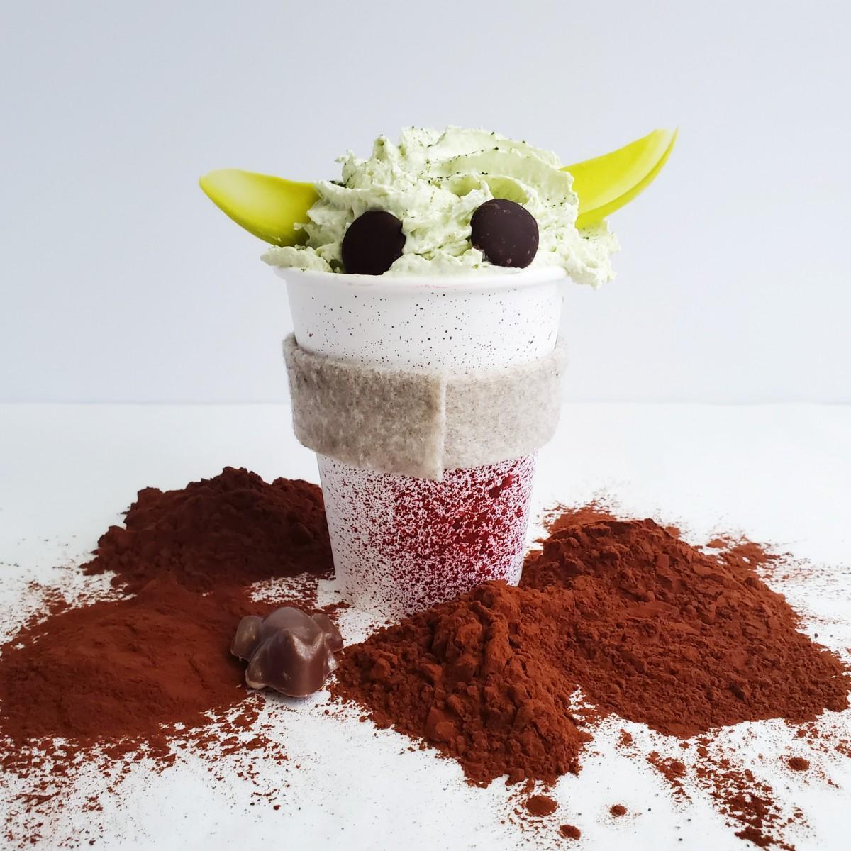 Soirette Pastry Boutiqueが提供する、ほうじ茶入りホットチョコレート「Hot Yoda」(写真=Soirette Pastry Boutique)