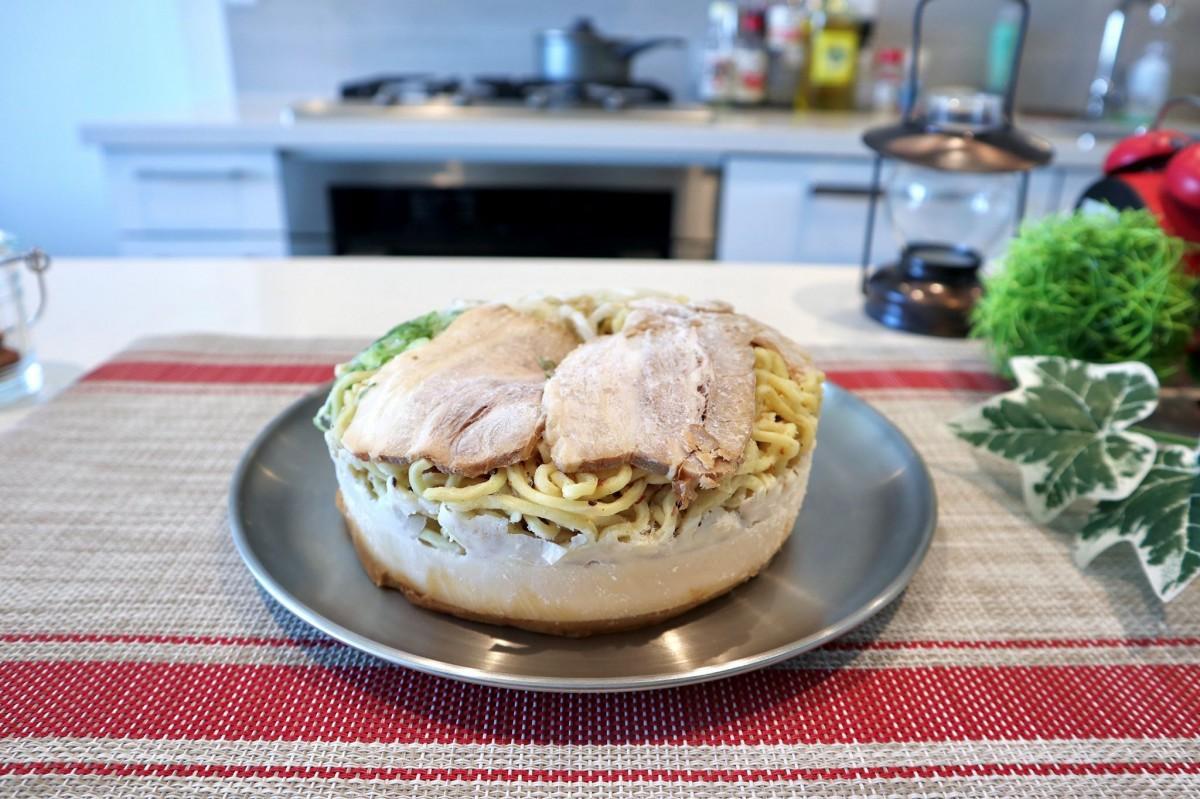 「麺ヤ雷蔵」調理前の冷凍ラーメン-魚介豚骨醤油ラーメン