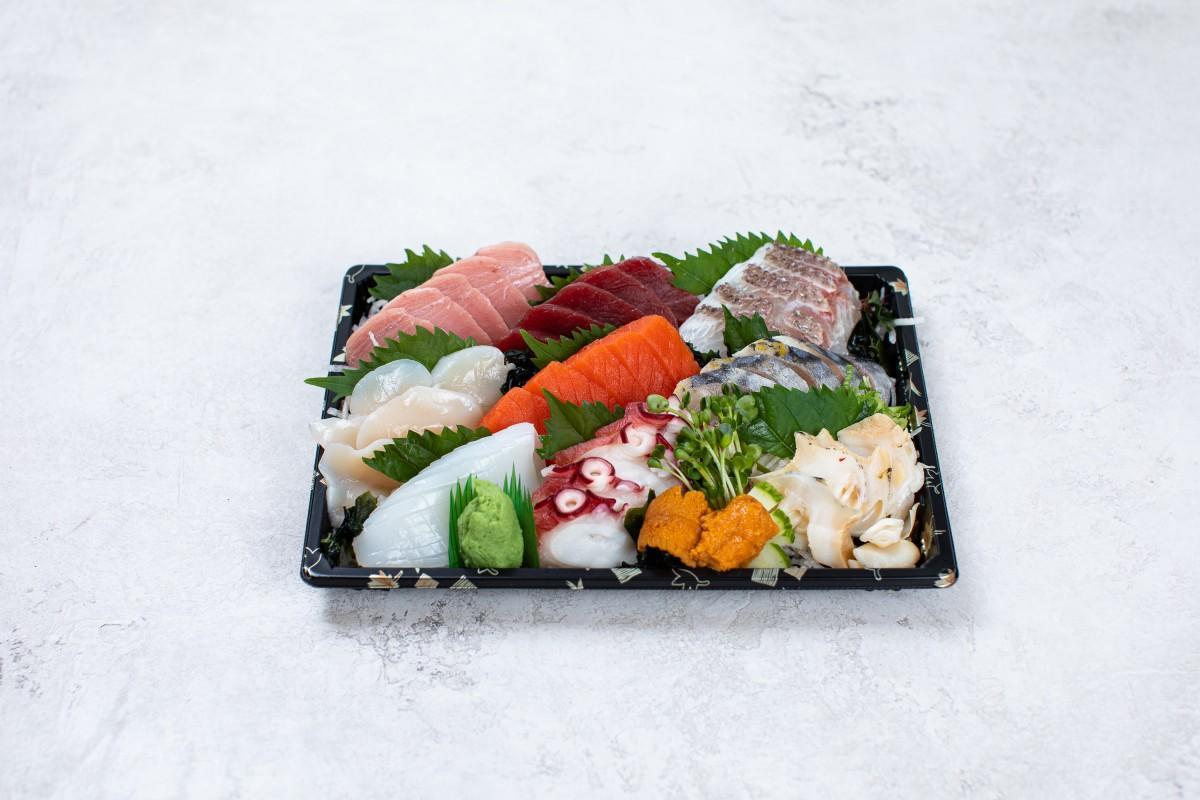 「Sashimiya」のSashimi Plate (L) (写真=Sashimiya)
