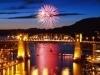 イングリッシュベイ・ビーチで花火大会-3カ国が打ち上げ競う