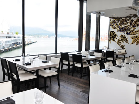 Popular Japanese Restaurant 'Miku' Moved to Waterfront Location