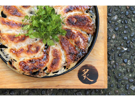 'Gyoza Bar' in Vancouver - Teppan Gyoza as Main Dish, Tomato Ramen also Served