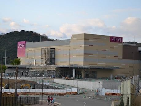 建設中のイオンモール和歌山外観