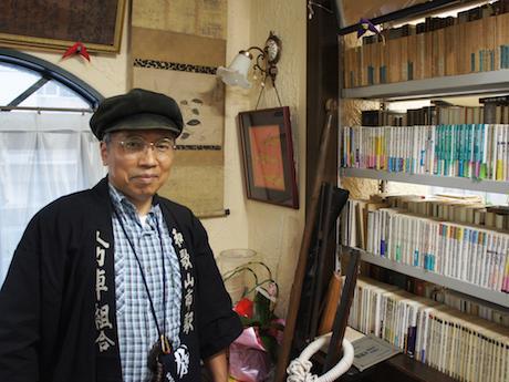 「和歌山市駅人力車組合」の法被を着た溝端さん