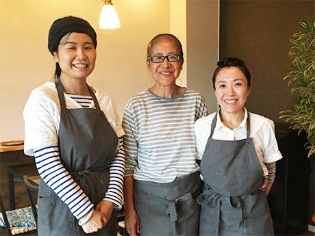 素食cafe Renスタッフ(左から)片山さん、大川さん、木本さん