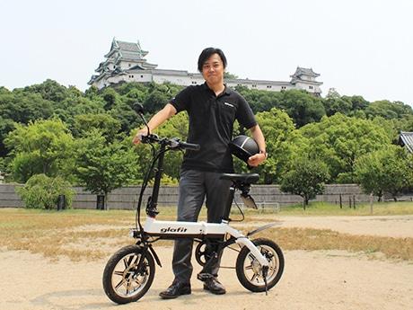 「glafitバイク GFR-01」と鳴海禎造社長