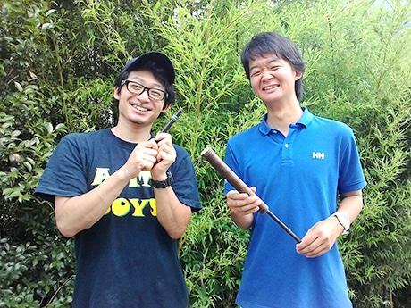 黒竹生産者の金﨑弘昭さん(左)と主催者の小畑亮介さん