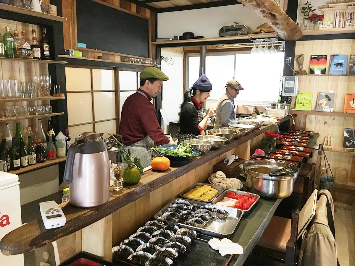 「あまった~る食堂」開催準備中のキッチン