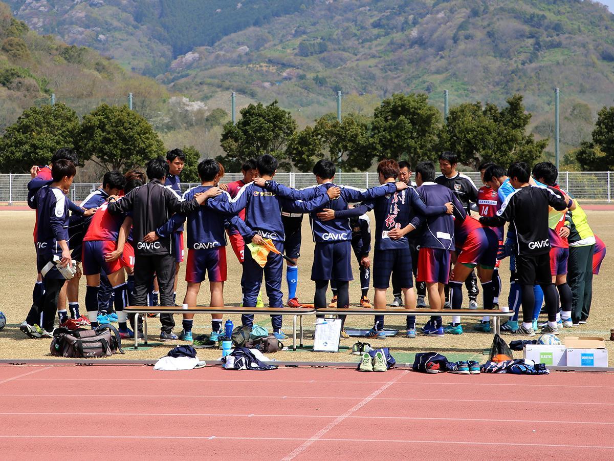 紀の川市桃源郷運動公園でFC大阪と練習試合を行ったアルテリーヴォ和歌山