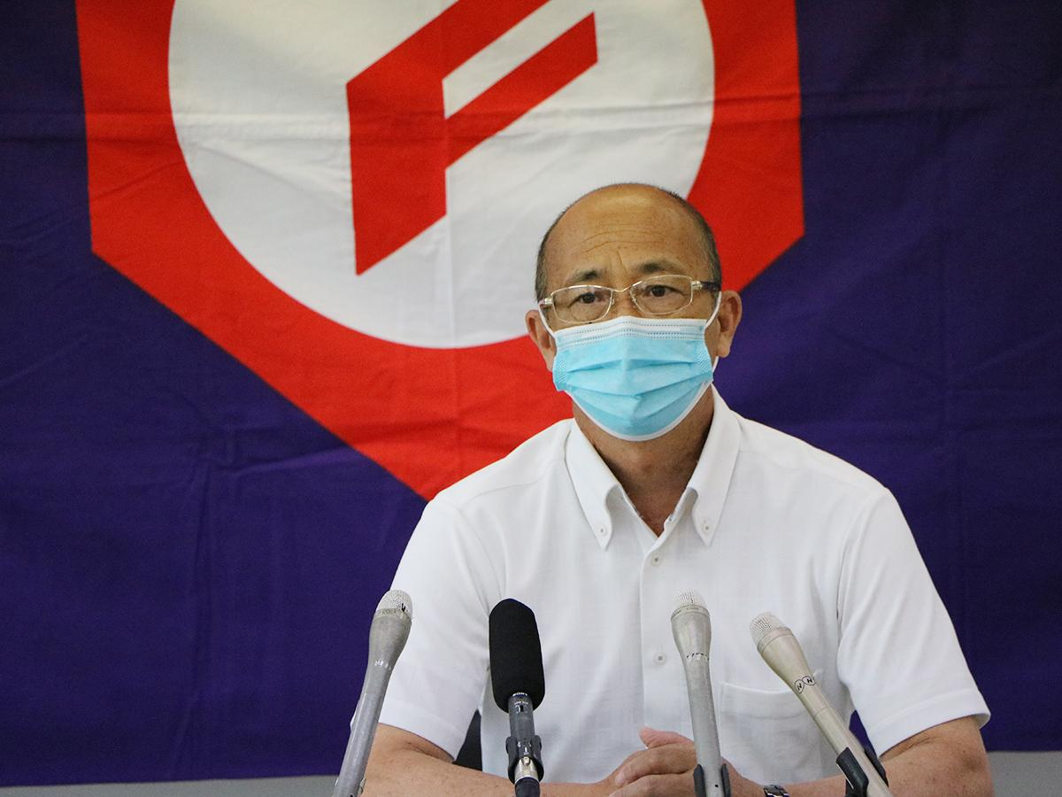 和歌山県独自大会の開催を発表する県高野連の愛須貴志会長