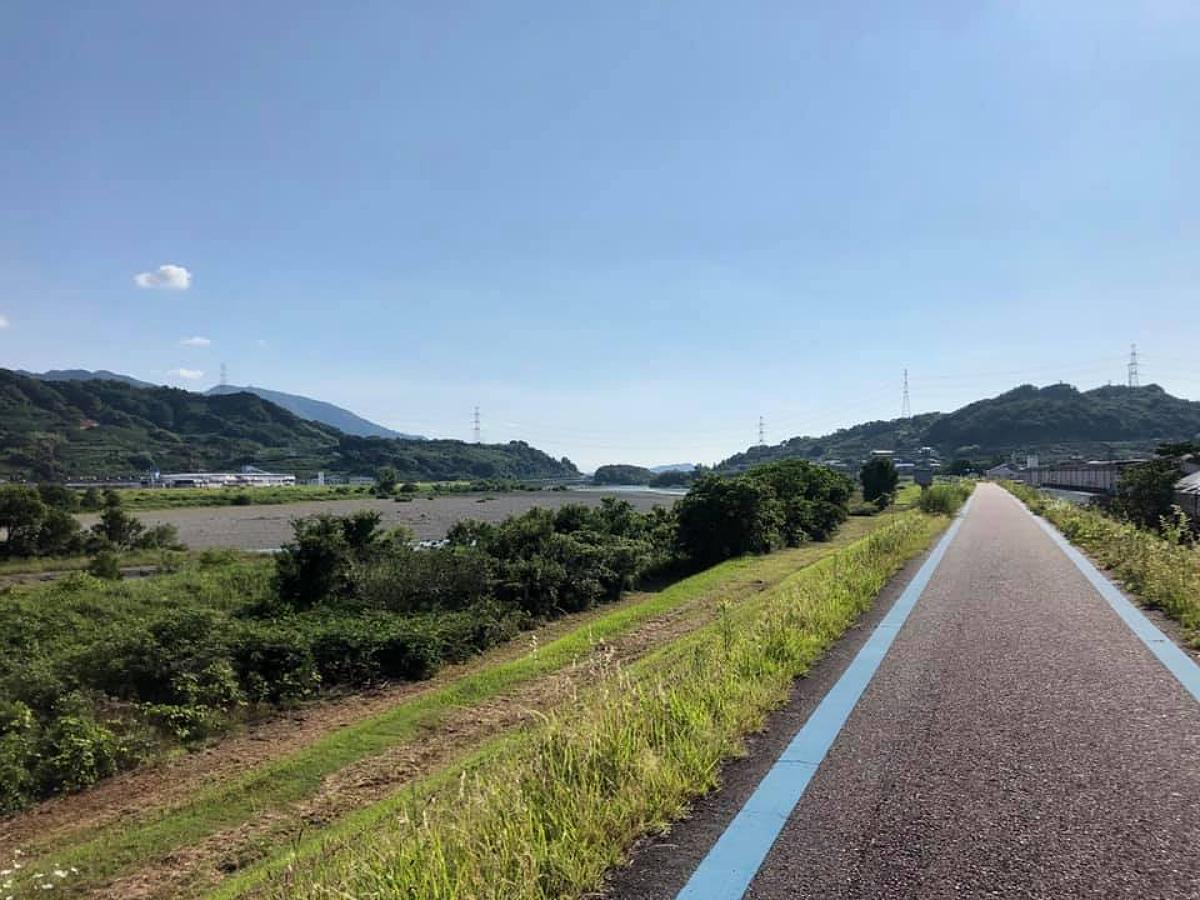 紀の川沿いのサイクリングロード