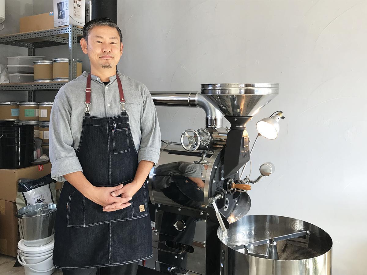 焙煎士で店主の西田武史さん